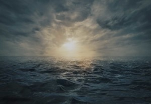 Hav sol stormigt